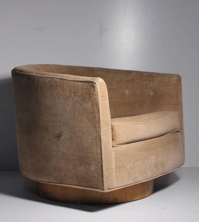 Superieur Milo Baughman Swivel Barrel Back Club Lounge Chair. Swivels And Rocks Back  And Forth (