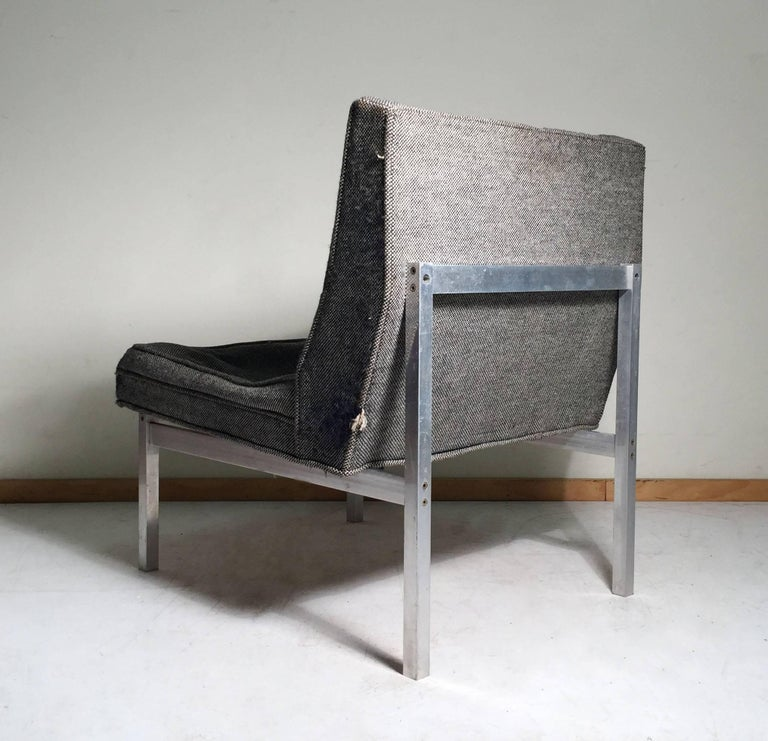 Mid-Century Modern Florence Knoll Style Aluminum Lounge Chair For Sale