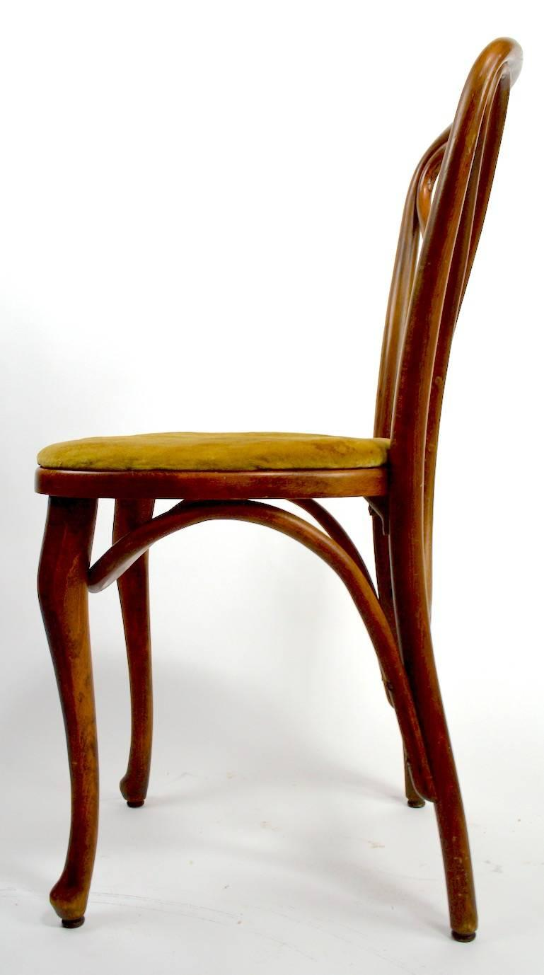 Beau Early 20th Century Set Of Four Thonet Bentwood Cafe Dining Chairs, Circa  1914 For Sale