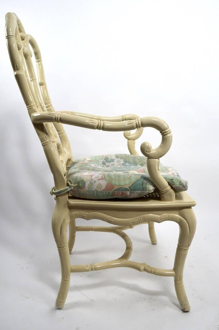 Set of Six White Lacquer Queen Anne Dining Chairs In Good Condition For Sale In New York, NY