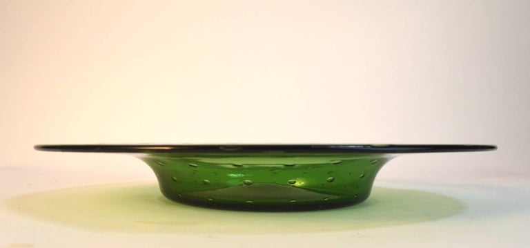 Mid-Century Modern Murano Center Bowl with Controlled Bubble Inclusion For Sale