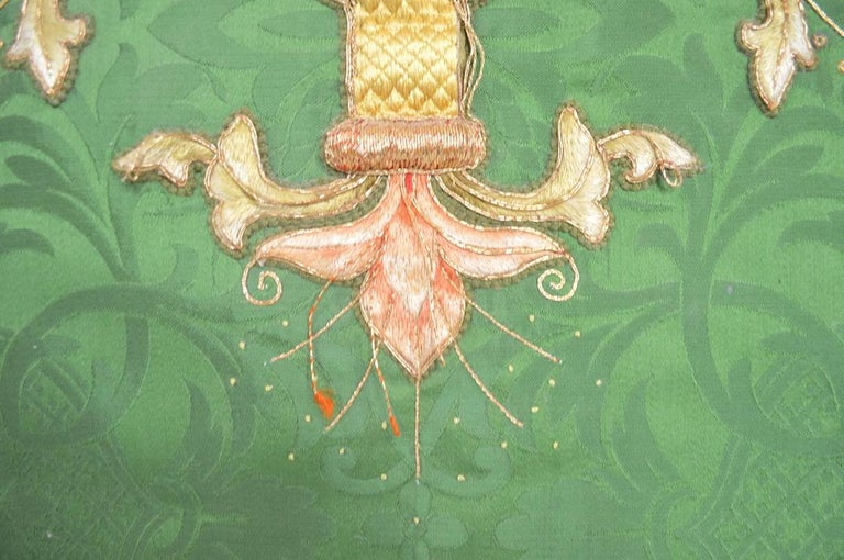 Decorative Tapestry on Brass Rod In Good Condition For Sale In New York, NY