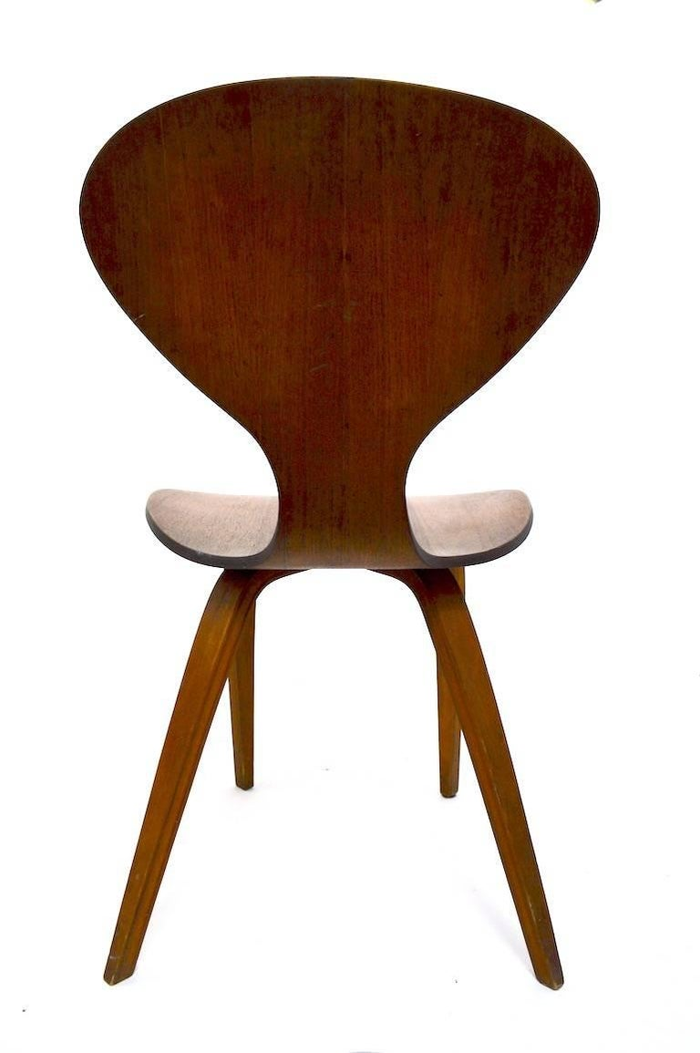 Mid-20th Century Side Chair by Cherner for Plycraft For Sale