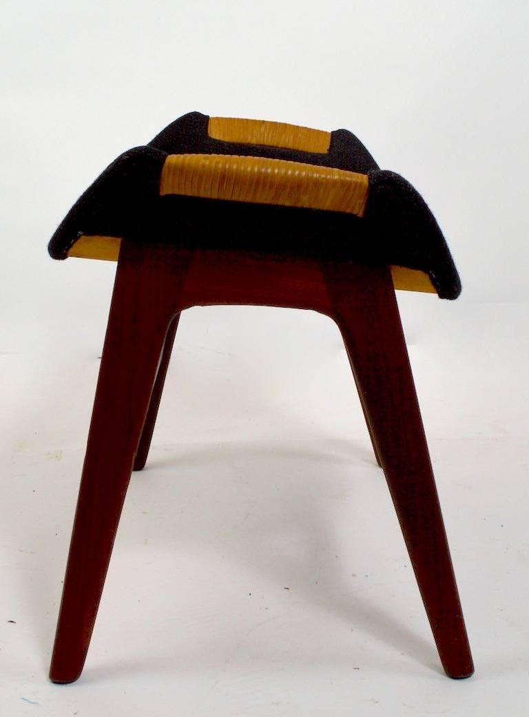 Danish Modern Footrest Ottoman Stool Attributed to P.I. Langlos Fabrikker In Excellent Condition For Sale In New York, NY