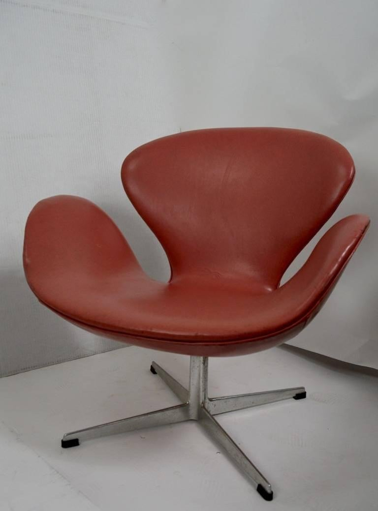 20th Century Arne Jacobsen Swan Chair for Fritz Hansen For Sale