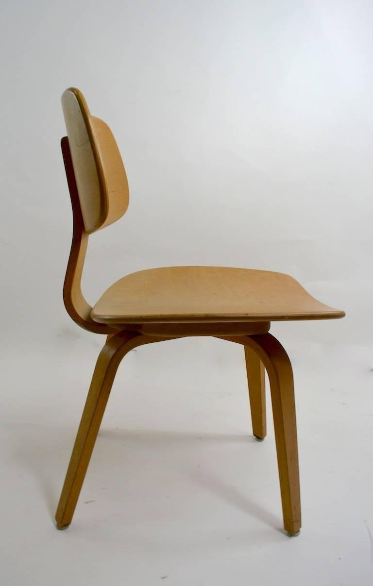 American Pair of Thonet Mid Century Bentwood Chairs For Sale