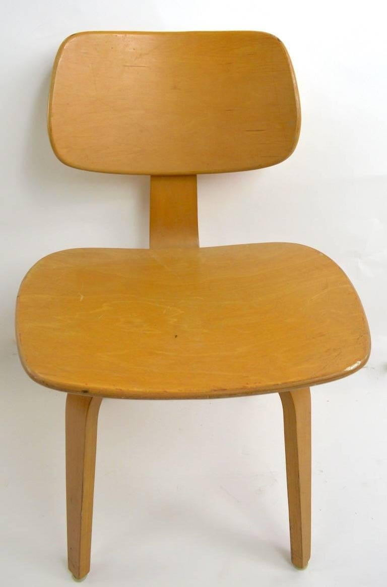 Classic Thonet blonde bent plywood dining height chairs (seat H 16 inch). Finish shows significant cosmetic wear, we offer professional refinishing if you prefer a more finished look. Priced and offered individually, however we would love to see