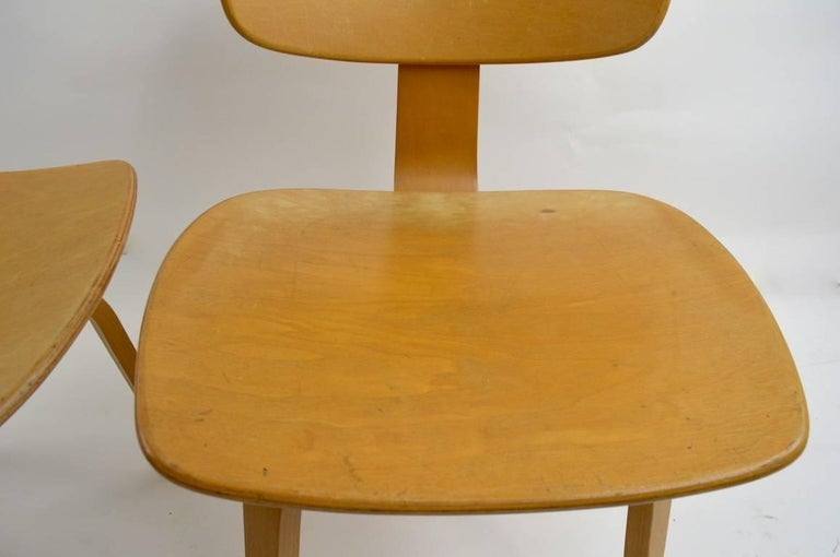 Pair of Thonet Mid Century Bentwood Chairs For Sale 2
