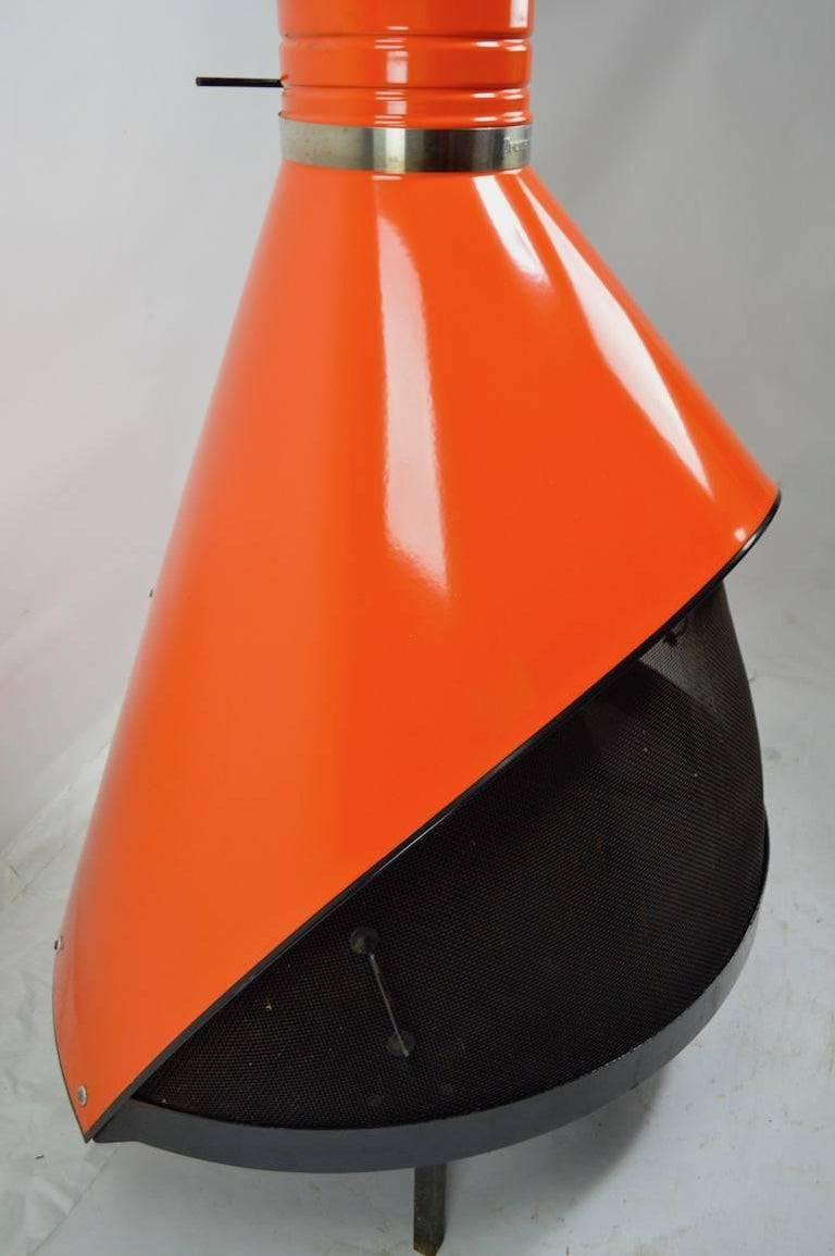 Preway Enamel Cone Fireplace In Excellent Condition For Sale In New York, NY