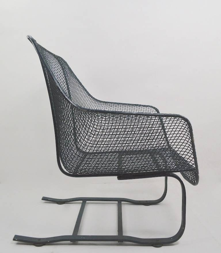 Cantilevered Lounge Chair by Woodard In Good Condition For Sale In New York, NY