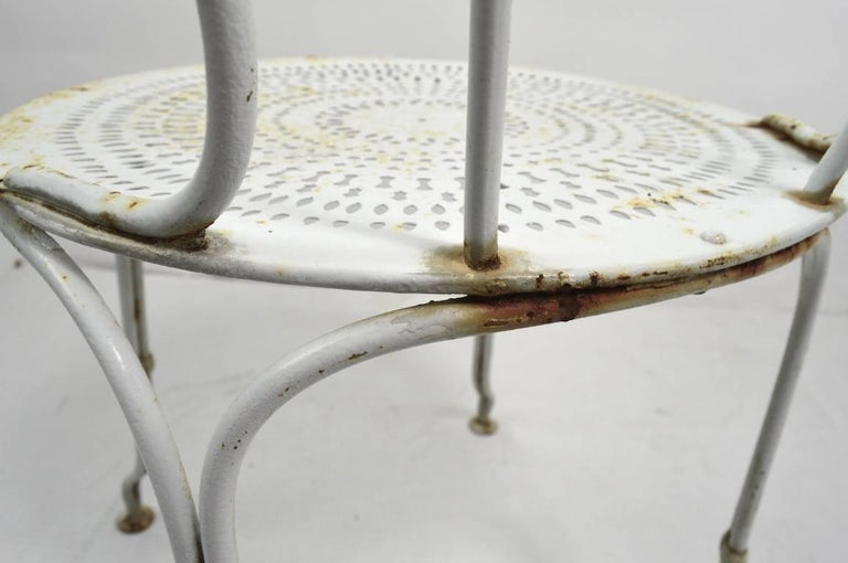 Set of Four Iron Garden Cafe Chairs In Good Condition For Sale In New York, NY