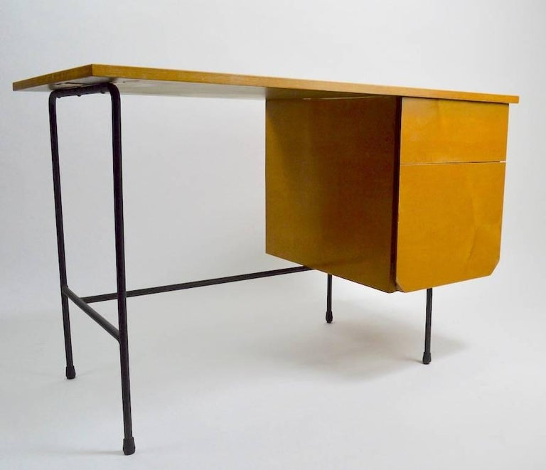 20th Century Mid Century Desk and Chair Attributed to Pascoe For Sale