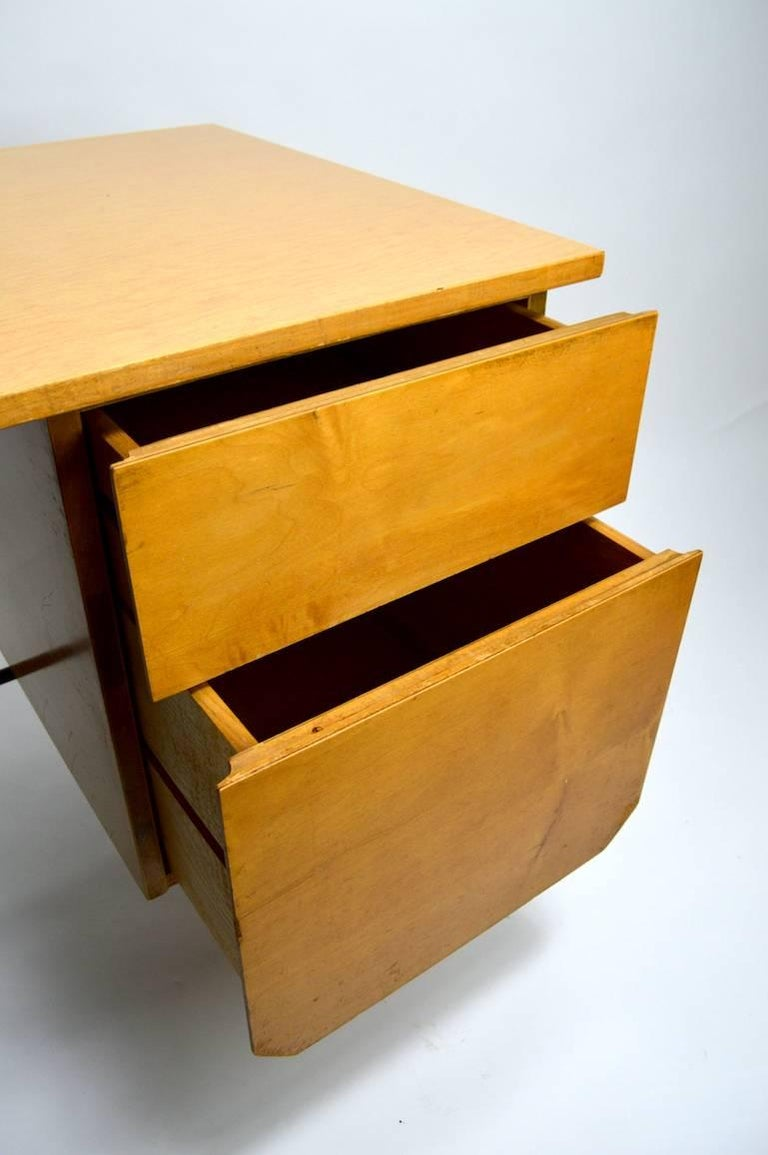 Mid Century Desk and Chair Attributed to Pascoe For Sale 2