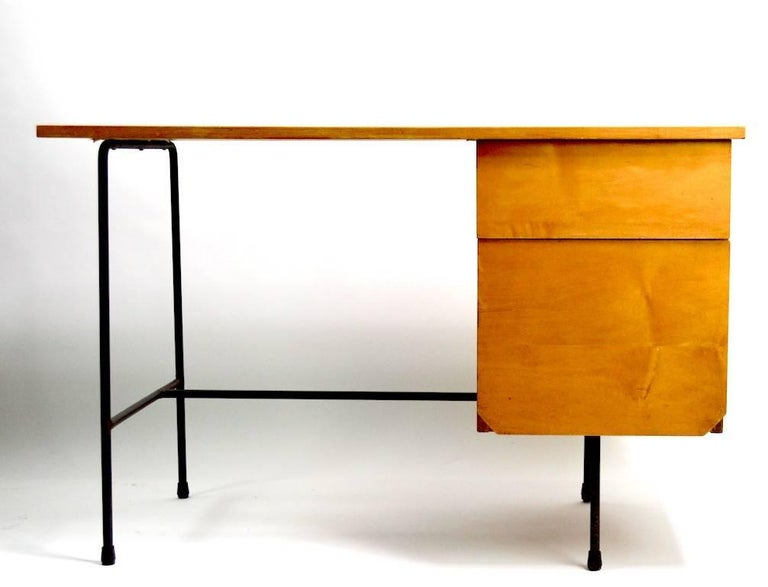Mid-Century Modern Mid Century Desk and Chair Attributed to Pascoe For Sale