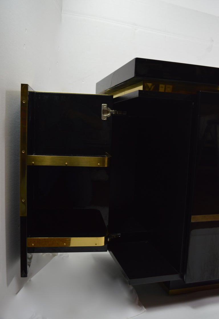Roche Bobois Black Lacquer Sideboard Bar Credenza, Jean Claude Mahey In Excellent Condition For Sale In New York, NY
