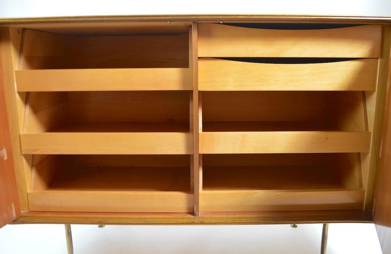 Elegant Mid Century Two-Door Chifforobe Dresser after Ponti In Good Condition For Sale In New York, NY
