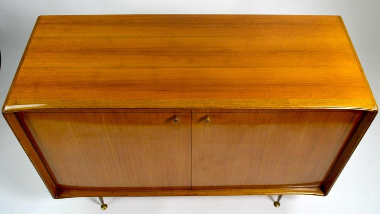 Elegant Mid Century Two-Door Chifforobe Dresser after Ponti For Sale 4