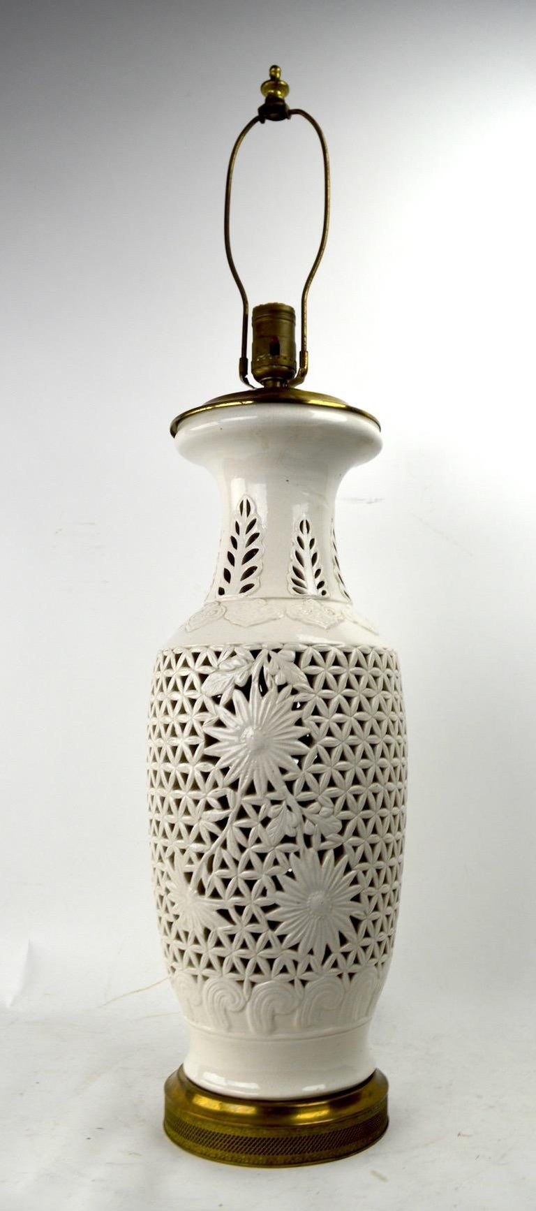 20th Century Reticulated Blanc de Chine Table Lamp For Sale