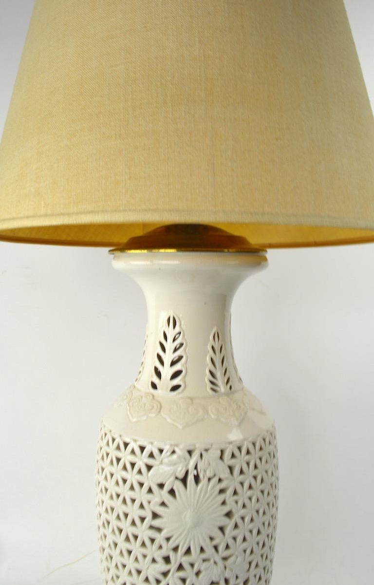 Reticulated Blanc de Chine Table Lamp For Sale 1