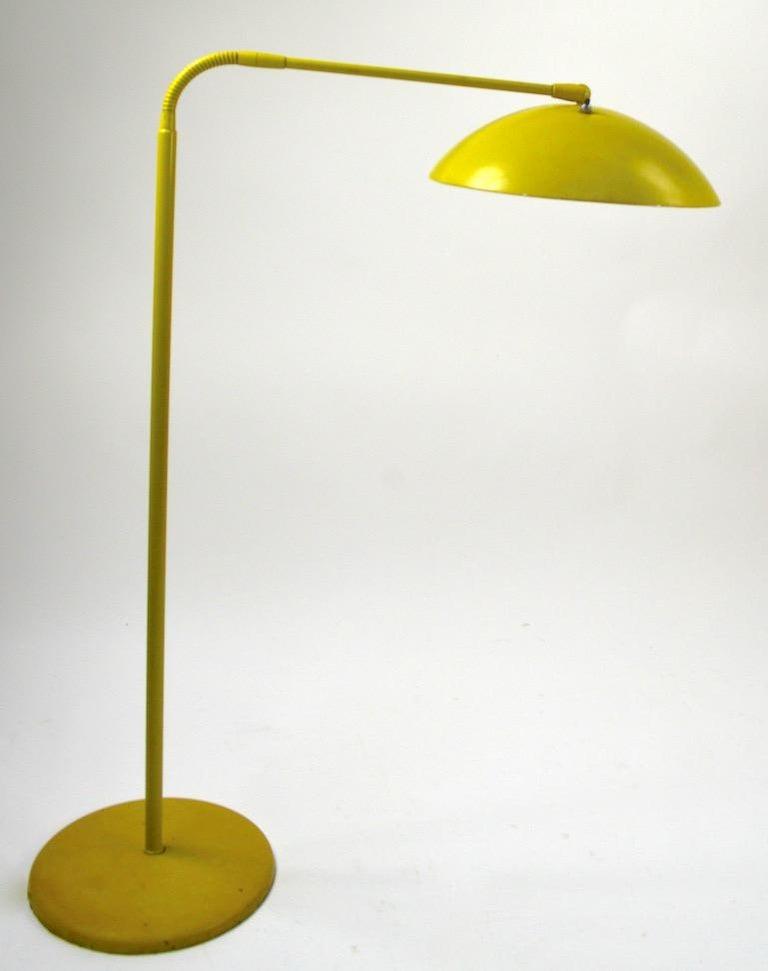 Mid Century Gooseneck Floor Lamp Attributed to Lightolier For Sale 1