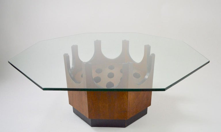 Octagonal Glass Top Table attributed to Probber For Sale 4