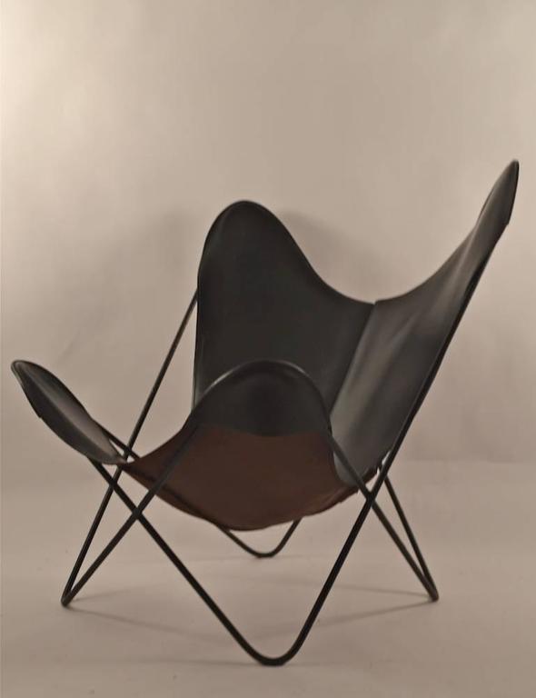 Mid-Century Modern Slick Original Hardoy Butterfly in Black Leather For Sale