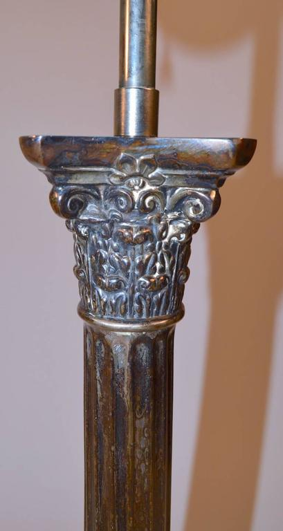Pair of Classical Silver Plate Column Lamps In Good Condition For Sale In New York, NY