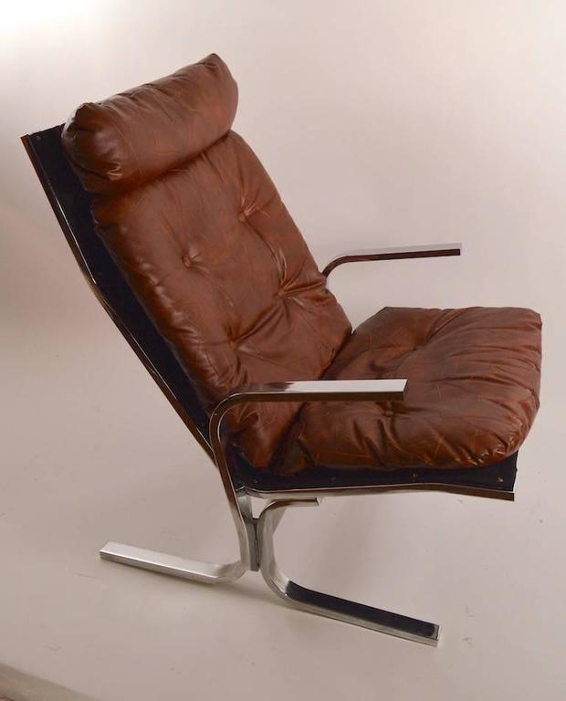 Chrome Lounge Chair and Ottoman In Excellent Condition For Sale In New York, NY