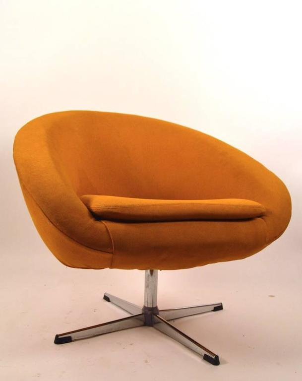Mid Century Modern Single Overman Swivel Pod Chair For Sale