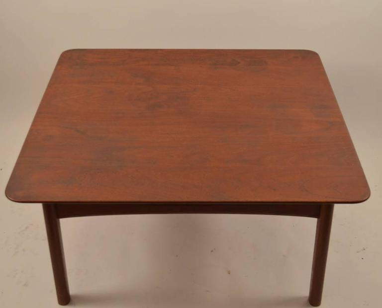 Danish Teak Coffee Table by Hvidt In Good Condition For Sale In New York, NY
