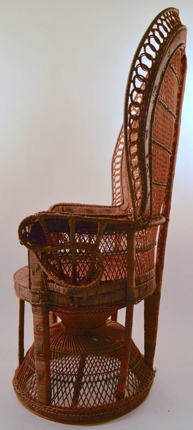 Classic Wicker Emanuelle Peacock Chair For Sale at 1stdibs