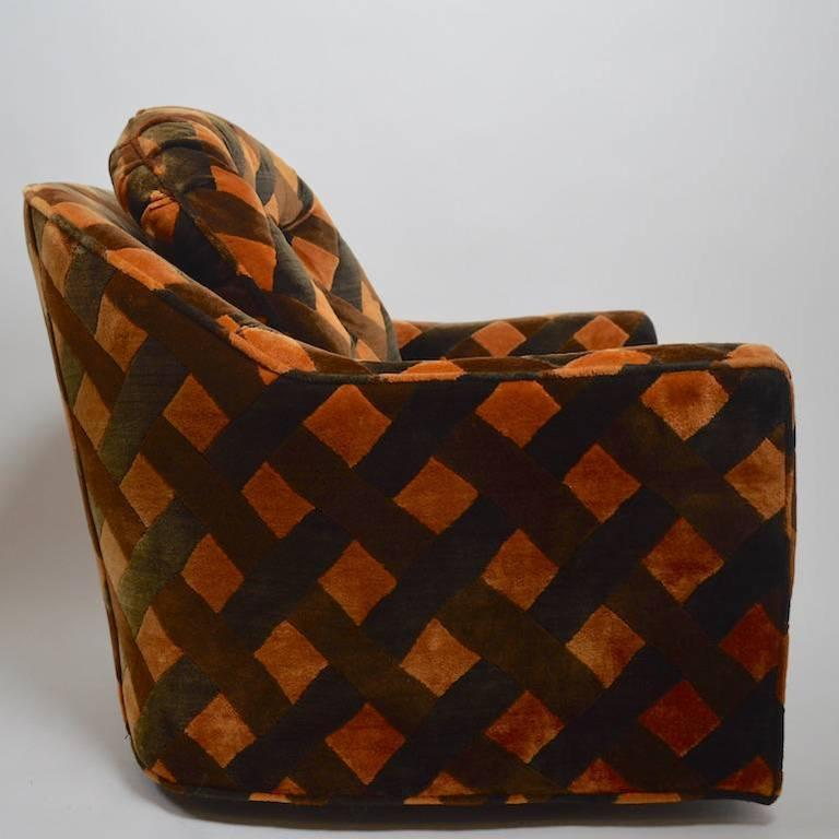 Pair of Swivel Club Chairs after Milo Baughman by Royal Lounge Company In Good Condition For Sale In New York, NY