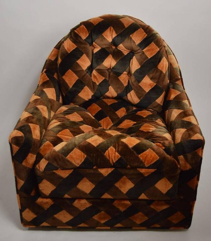 Late 20th Century Pair of Swivel Club Chairs after Milo Baughman by Royal Lounge Company For Sale