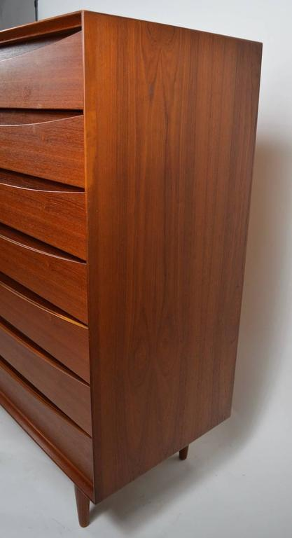 Seven-Drawer Danish Modern Chest Arne Vodder for Sibast In Excellent Condition For Sale In New York, NY