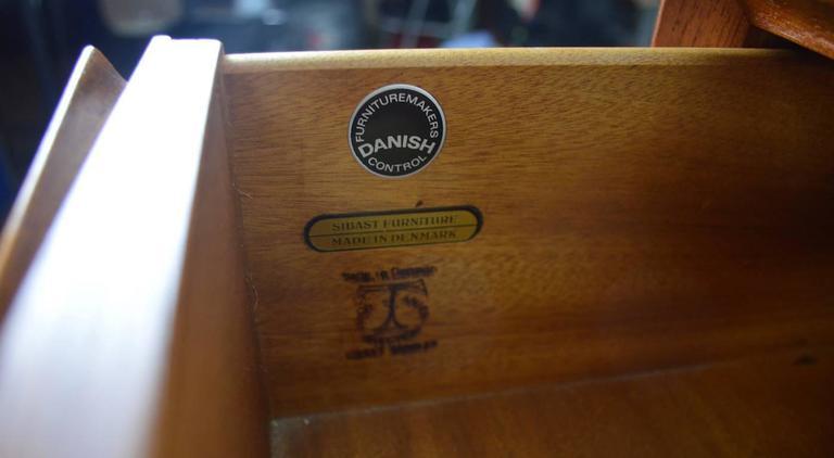 Seven-Drawer Danish Modern Chest Arne Vodder for Sibast For Sale 3