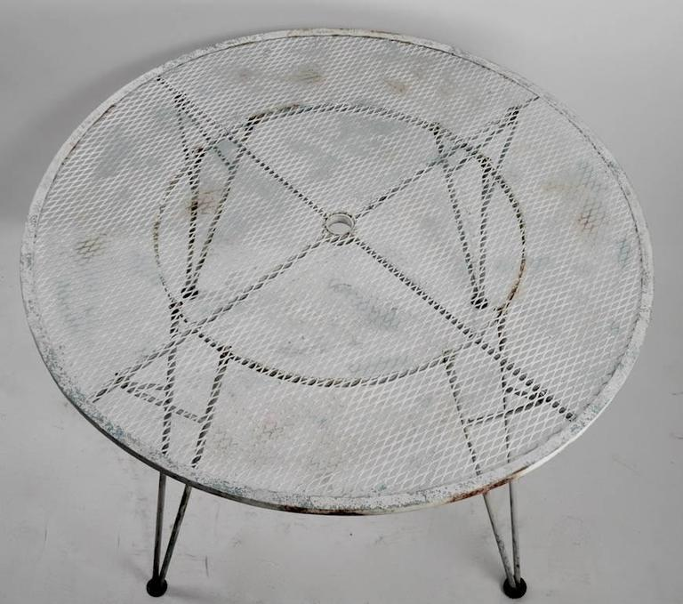 Mid-20th Century Architectural Metal Mesh Garden Dining Table Attributed to Salterini For Sale