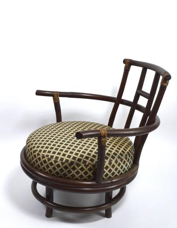 Pair of Swivel Bamboo Lounge Chairs In Good Condition For Sale In New York, NY
