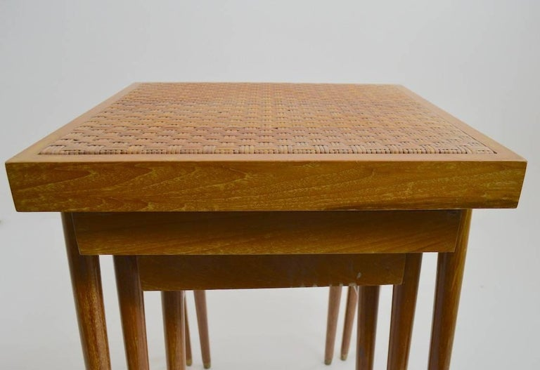 Pair of Nesting Stacking Tables In Good Condition For Sale In New York, NY