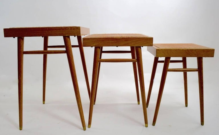 Mid-Century Modern Pair of Nesting Stacking Tables For Sale