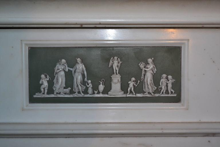 British 18th Century Statuary Marble Mantel with Wedgewood Panel Inlay (GEO-ZE38) For Sale