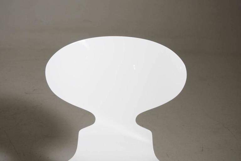 Arne Jacobsen Designed Set of Ten White Danish Modern Ant Chairs, 1976-86 4