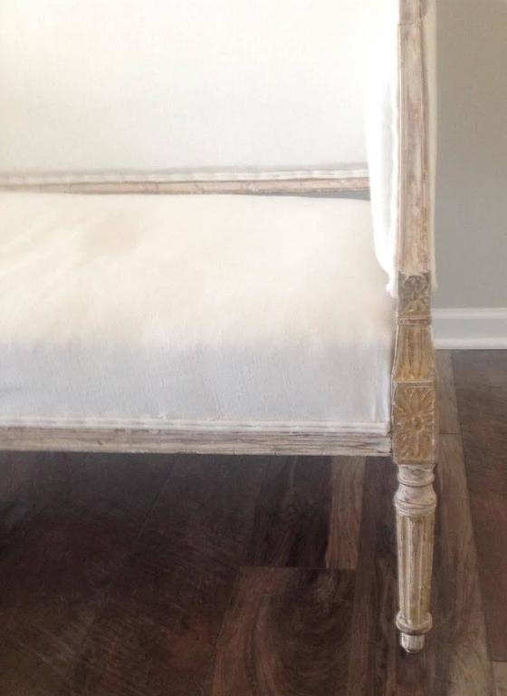 19th Century Swedish Gustavian Sofa in Original Paint For Sale 4