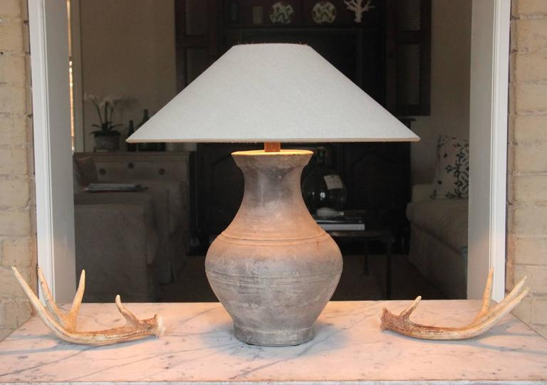 Chinese Han Dynasty Unglazed Vase Antique Table Lamp In Excellent Condition For Sale In Wichita, KS