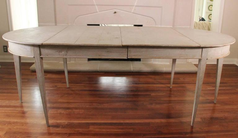 19th Century Swedish Gustavian Period Extension Dining Table In Excellent Condition For Sale In Wichita, KS