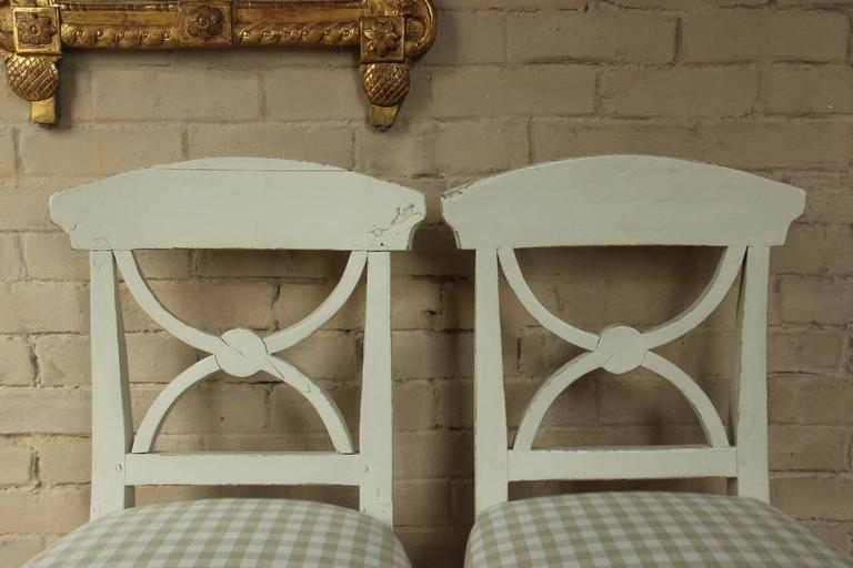 Wood 19th Century Swedish Pair of Gustavian Style Side Chairs For Sale
