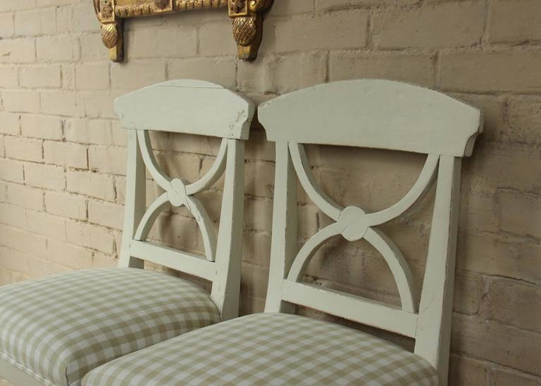 Hand-Painted 19th Century Swedish Pair of Gustavian Style Side Chairs For Sale