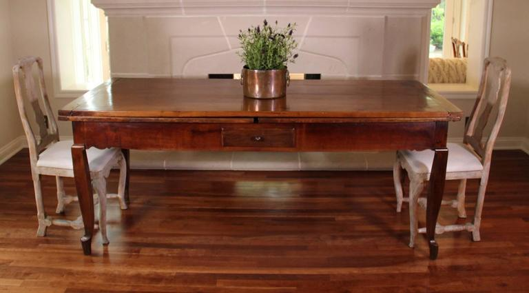 18th Century French Louis XV Antique Cherrywood Double Extension Farmhouse Table 3