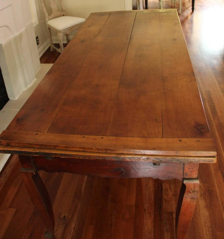 18th Century French Louis XV Antique Cherrywood Double Extension Farmhouse Table In Excellent Condition For Sale In Wichita, KS