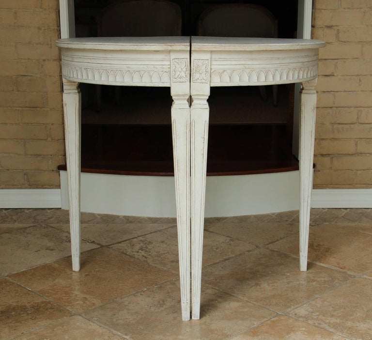19th Century Pair of Swedish Gustavian Bedside Demilune Console Tables 2