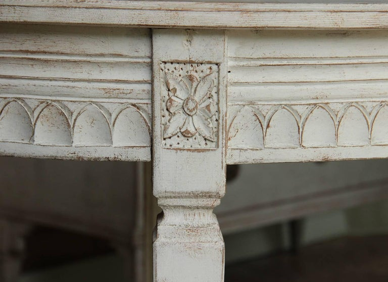 Hand-Carved 19th Century Pair of Swedish Gustavian Bedside Demilune Console Tables For Sale